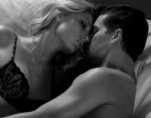 Sexo con mujeres inconscientes